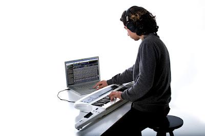 dan organ Roland AX – Synth WH