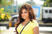 Komal Jha unseen photos gallery-thumbnail-12