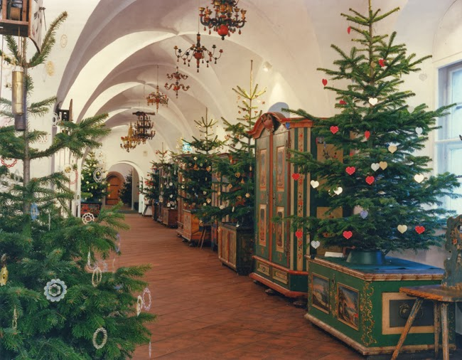 it is probably fitting that a german university did the research vital for the survival of your christmas tree students took a close and scientific look - How To Keep Christmas Tree Fresh