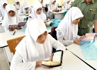 Tadarus Warna-Warni Pemikiran Islam Nusantara