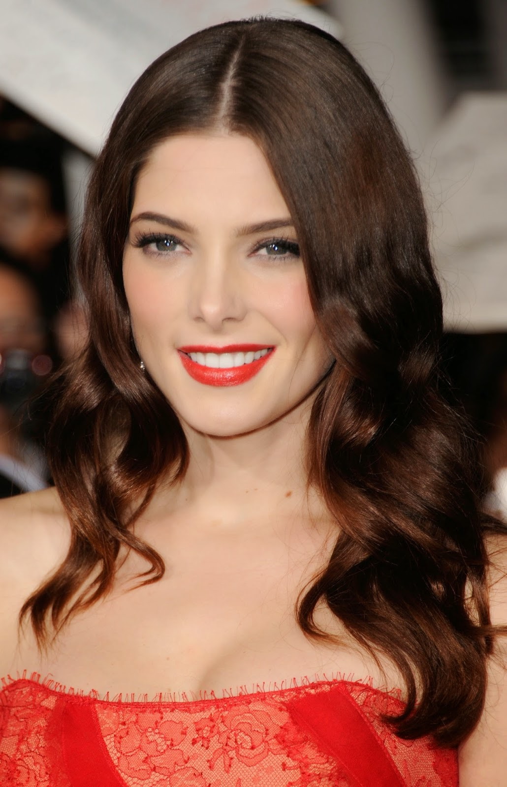 ashley-greene-prom-makeup