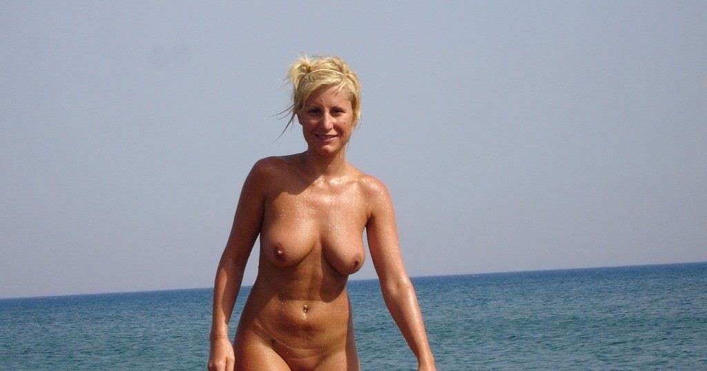 Nudist Women Photo of the Day 02/18/11 - GOOD NAKED