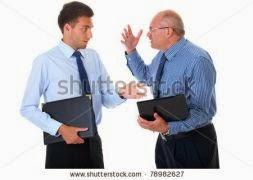 discussão no trabalho idoso jovem