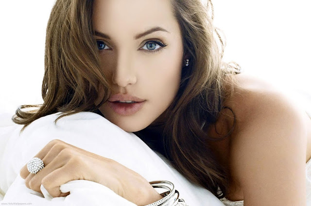Angelina Jolie Superb HD Wallpapers