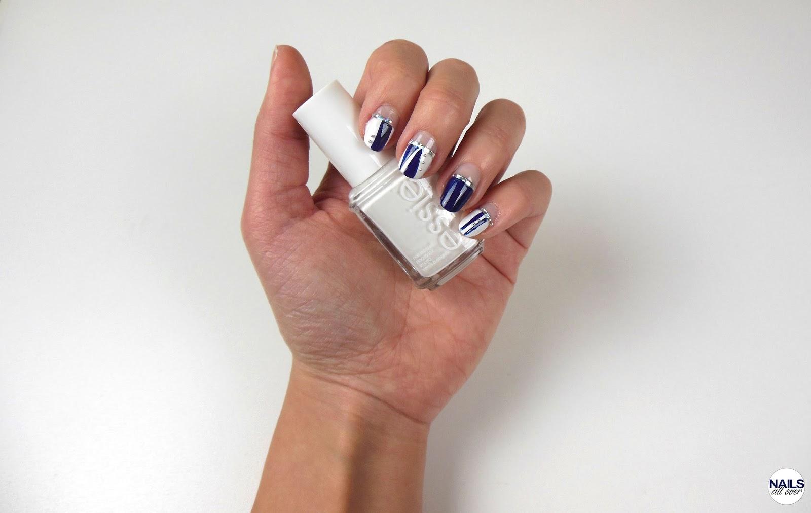 Einfaches Geometrisches Nageldesign in Dunkelblau! - Nails All Over