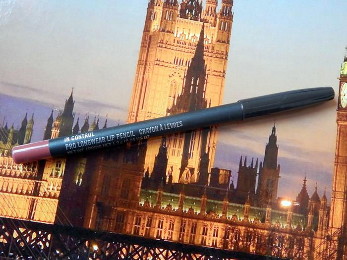 """MAC Pro Longwear Pencil """"In Control"""""""