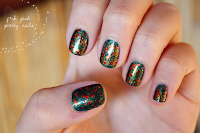 http://fckyeahprettynails.blogspot.hu/2013/12/the-getting-ready-for-christmas_4.html
