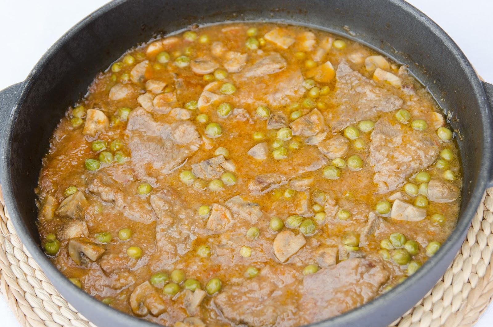 fricando-ternera-setas-receta-tradicional-catalana-bruja