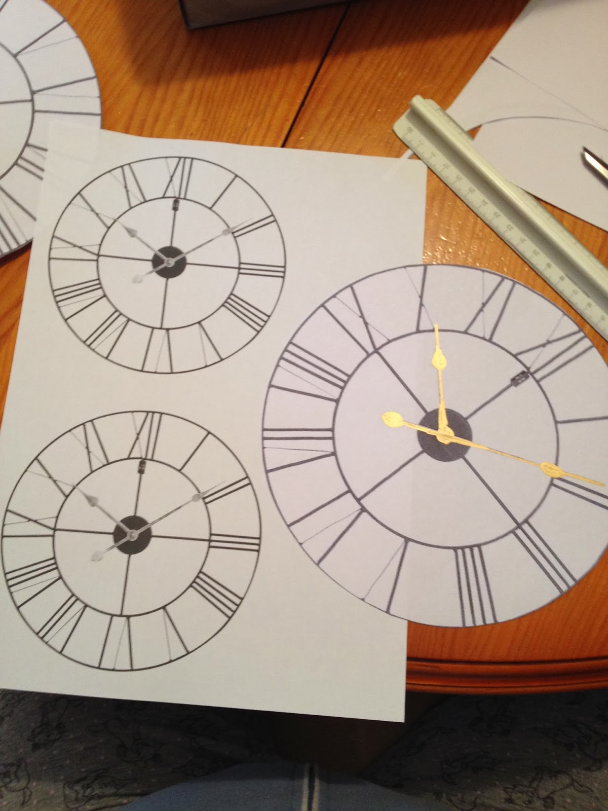 Manualidades amelia ideas para una decoraci n de nochevieja fin de a o - Manualidades relojes de pared ...
