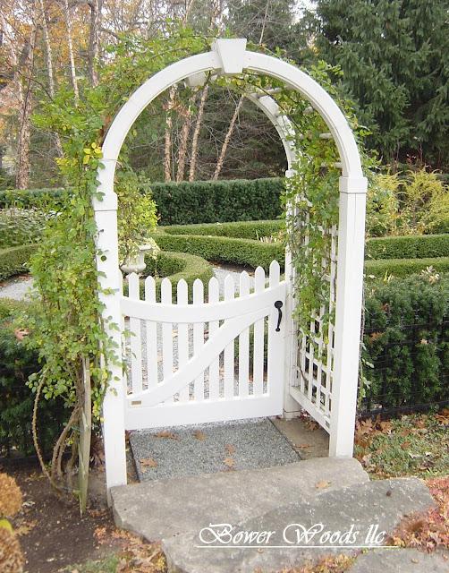 Garden Arbor With Gate6
