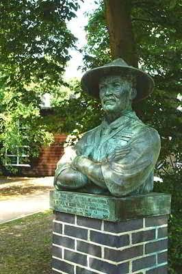 Patung Baden Powell di Gilwell Park