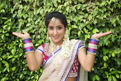 Actress Sony looking Gorgeous in Saree-thumbnail-2