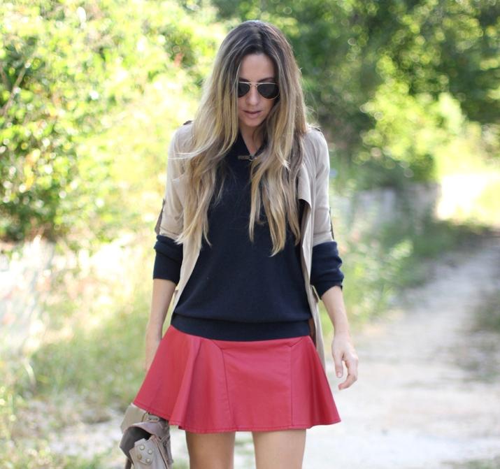 Red skater skirt fashion blogger Mónica Sors
