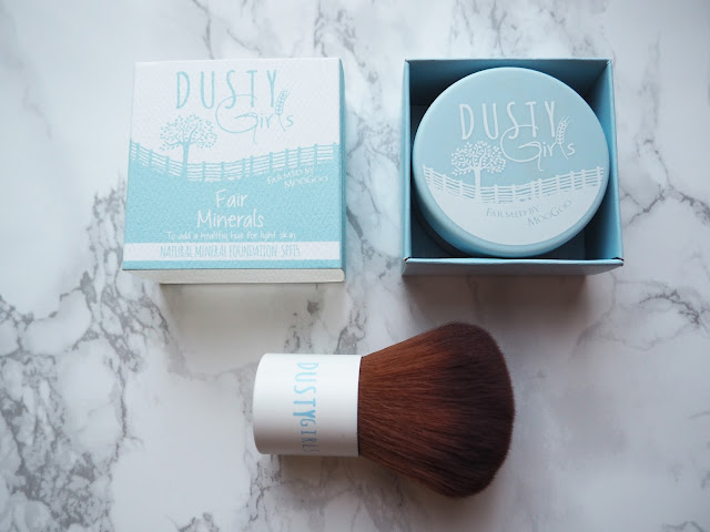Dusty Girls Moo Goo Fair Minerals Light Kabuki Brush