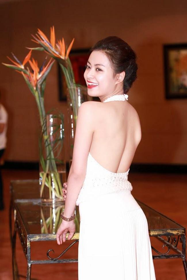 Ngắm chân dài của Showbiz Việt ai gợi cảm nhất