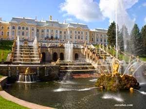 http://gubuk-fakta.blogspot.com/2013/12/pesona-wisata-di-rusia.html