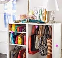 Mueble para tener los bolsos y complementos ordenados