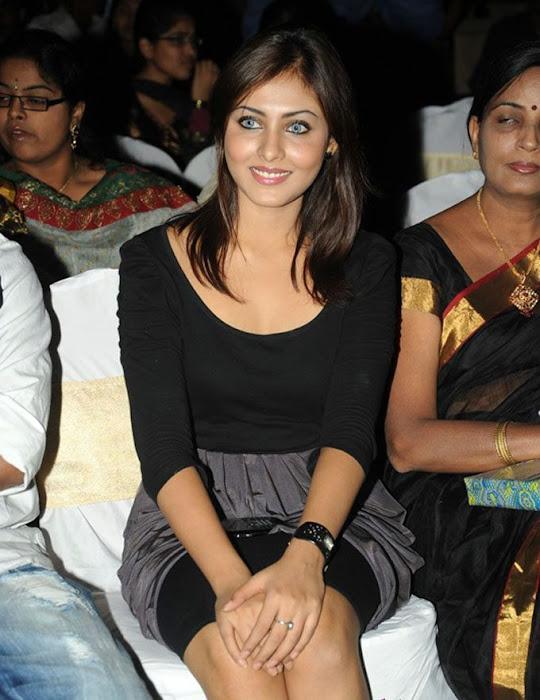 madhu shalini new fashion looks hot images