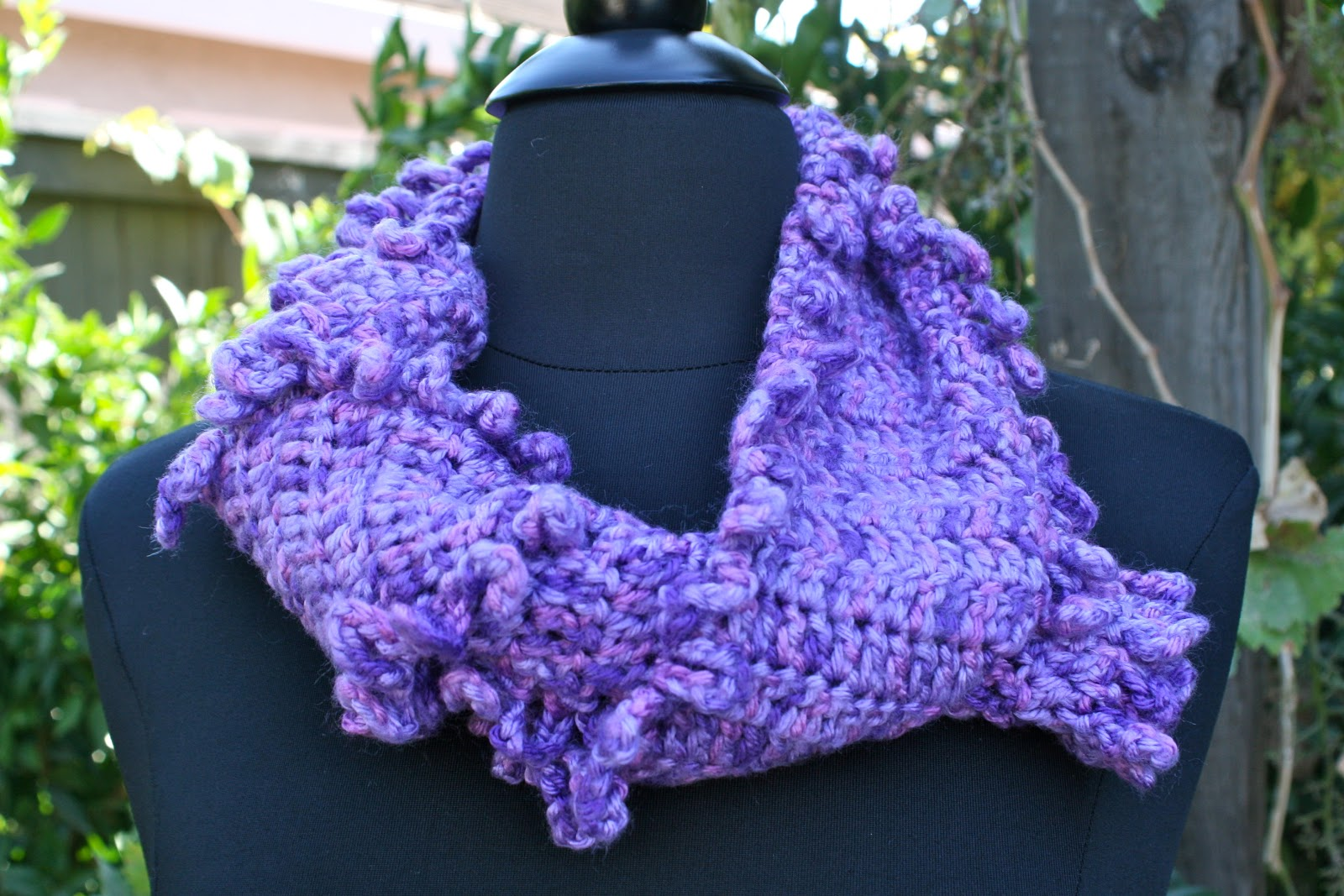 knots n knits looped border crochet scarf