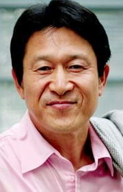 Biodata Kim Eung Soo pemeran Baek Man Bo