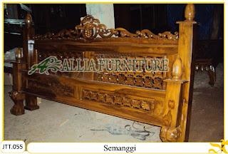 Tempat tidur ukiran kayu jati Semanggi