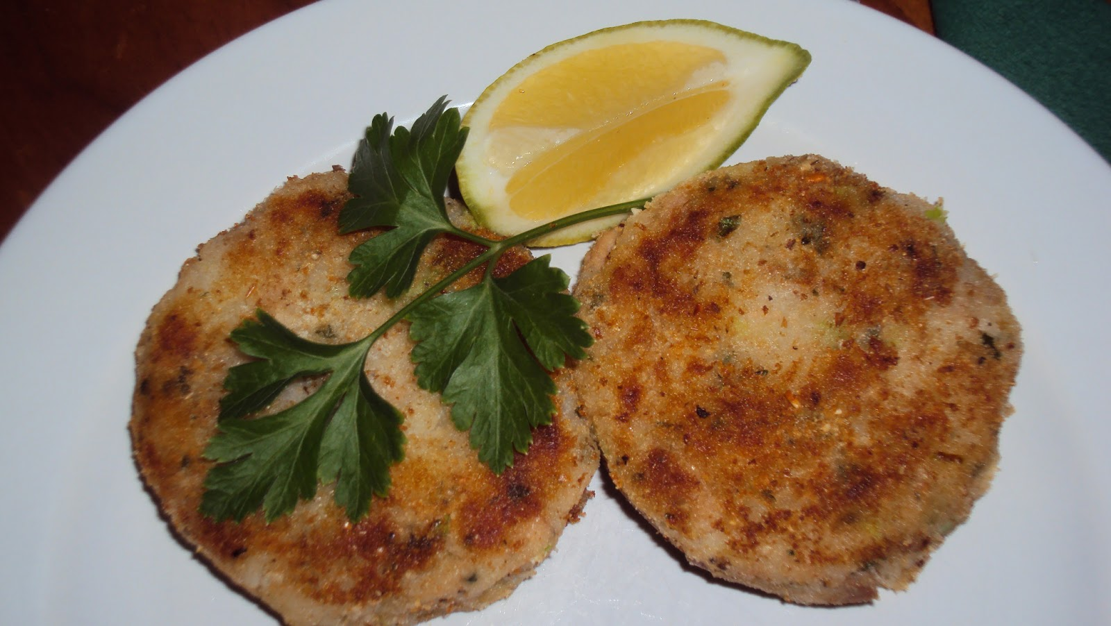 Cambric Cotton, pins and needles: Tuna patties
