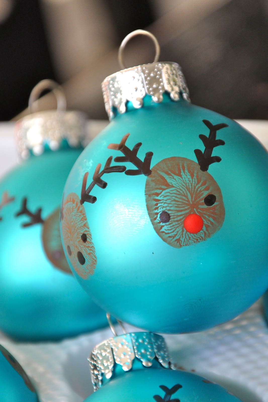20 minute crafter reindeer thumbprint ornaments - Rudolph Christmas Decorations