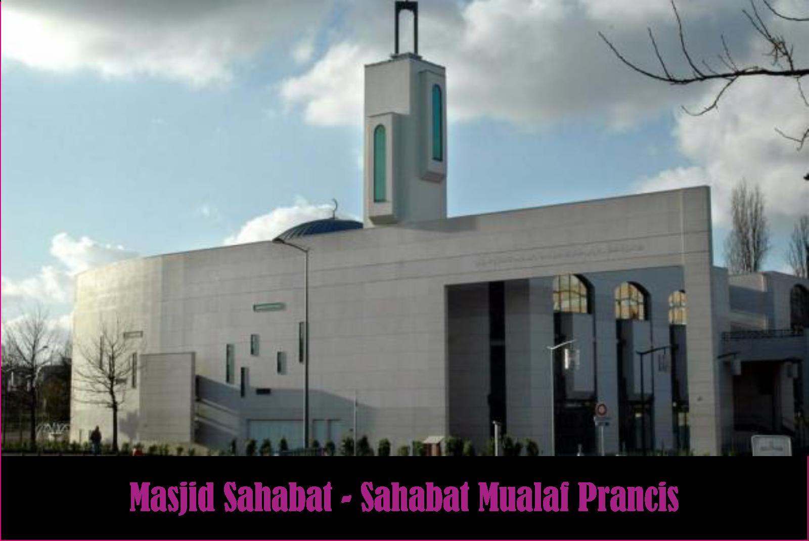 Muallaf Prancis Bersyahadat di Masjid Sahaba