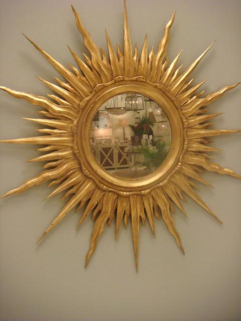 Atlanta interior decorator loves sparkle of Modern History's Gilt Sunburst mirror
