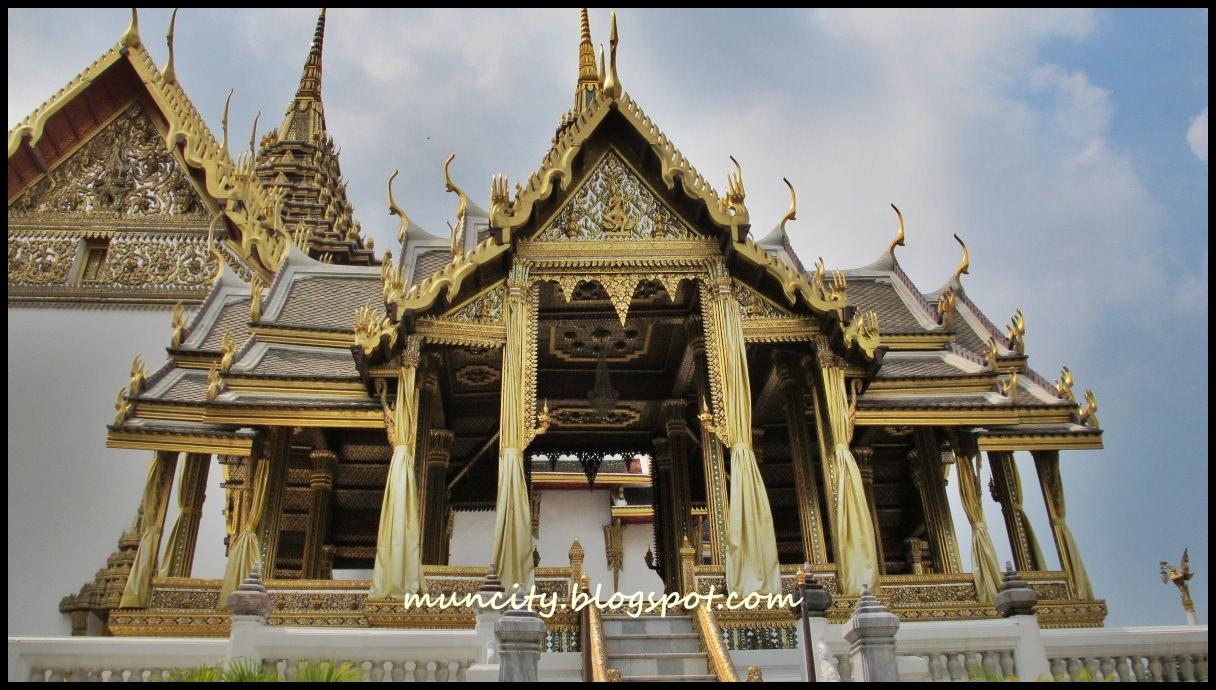 Lalalaland...: Sawadee Ka Bangkok! : Grand Palace and Wat ...