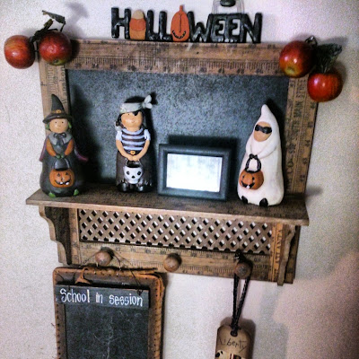 trick or treaters decor
