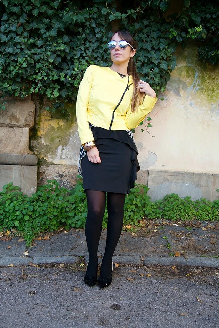 outfit giallo bianco e nero