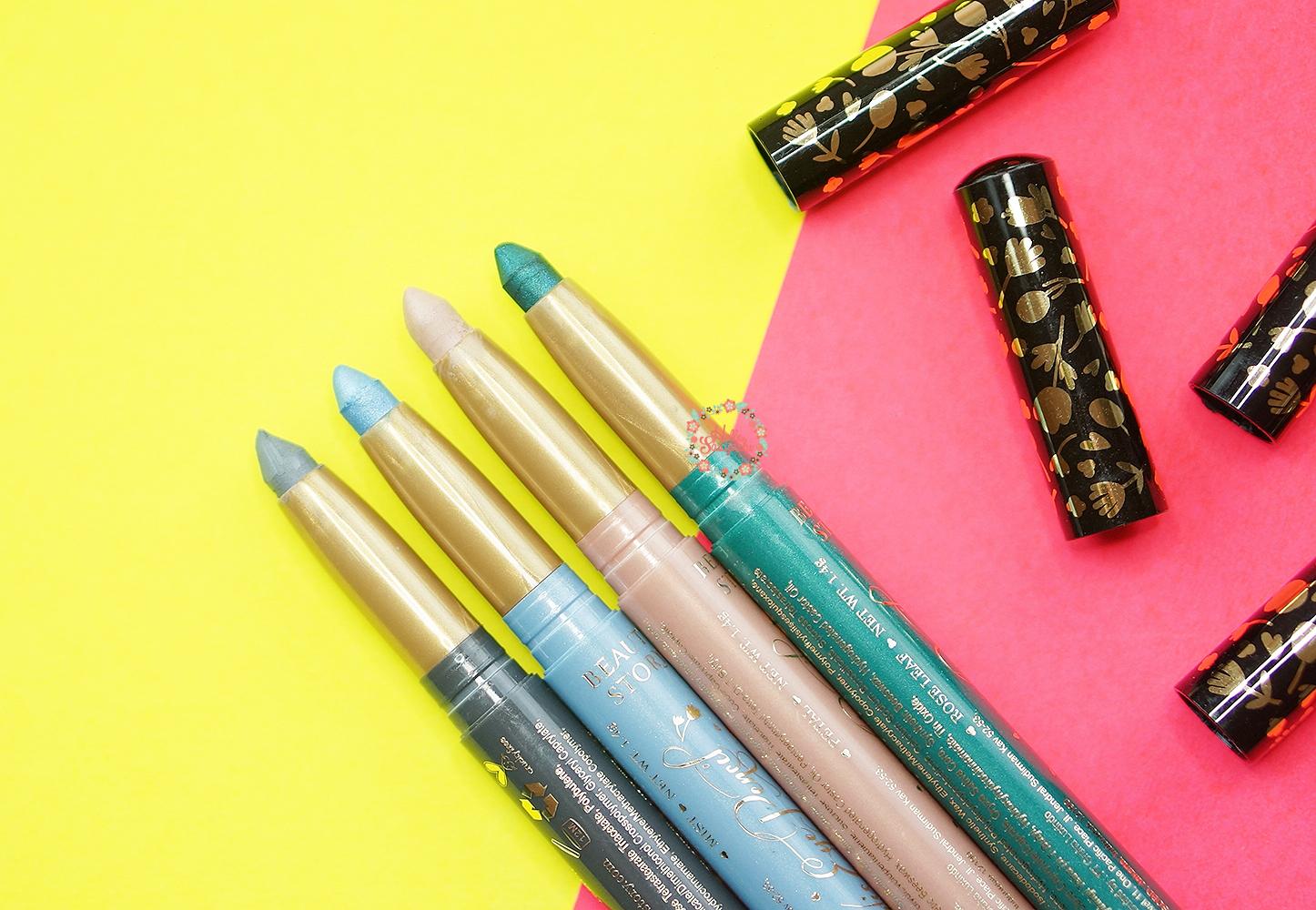 Sasyachi Beauty Diary Story Romantic Eye Pencil Review Eyeliner Warna Putar Terdapat Empat Pilihan Yang Tersedia Antara Lain Cloudy Satin Grey Mist Shimmering Baby Blue Petal Beige
