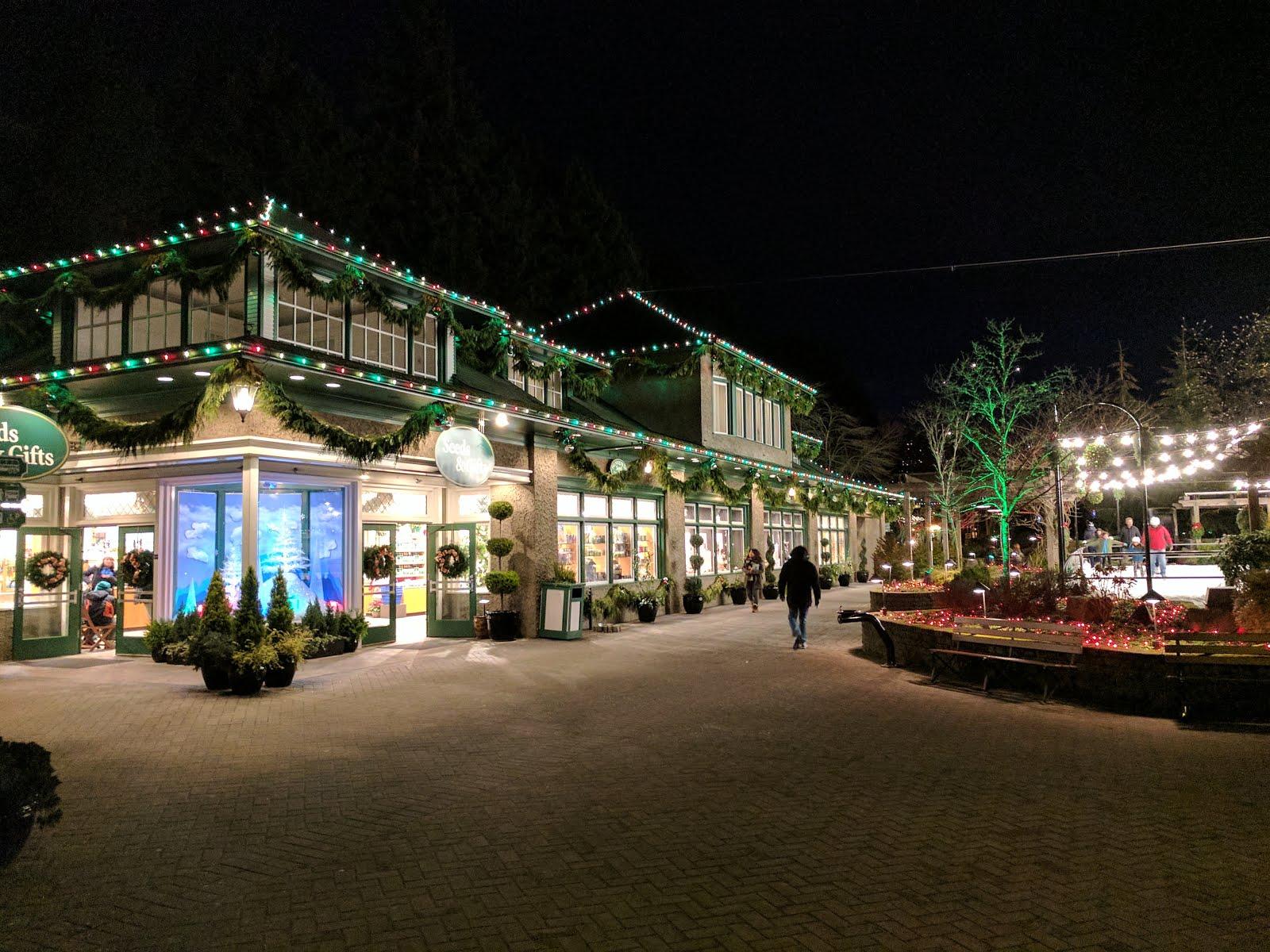 A Narrow Gate: Butchart Garden at Christmas