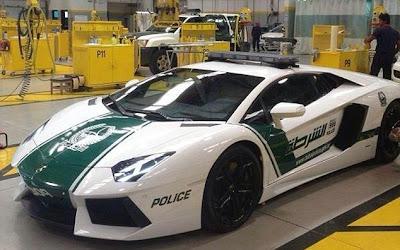 Polisi Dubai Pakai Lamborghini Untuk Mobil Patroli
