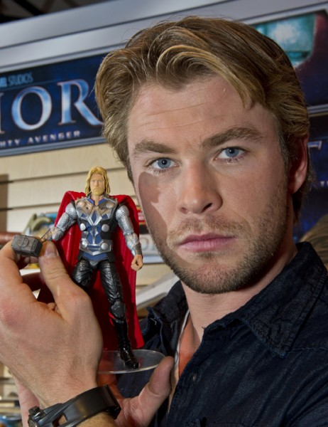 chris hemsworth thor images. chris hemsworth thor costume.