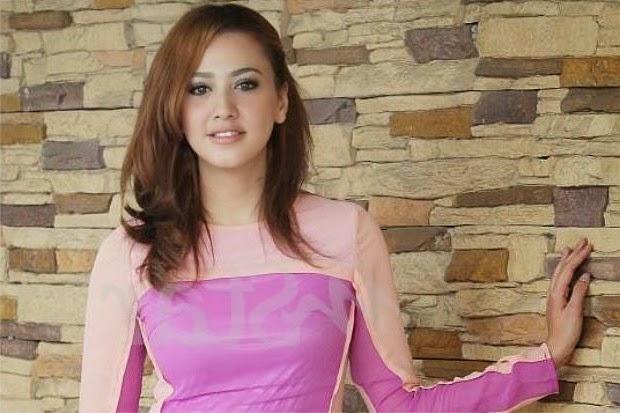 Populariti Bukan Halangan Nur Fathia Pinggirkan Pelajaran