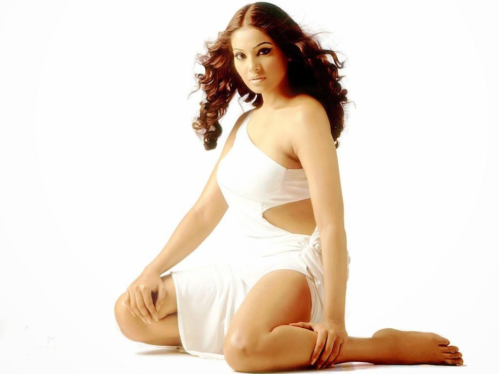Bipasha Basu actress wallpaper