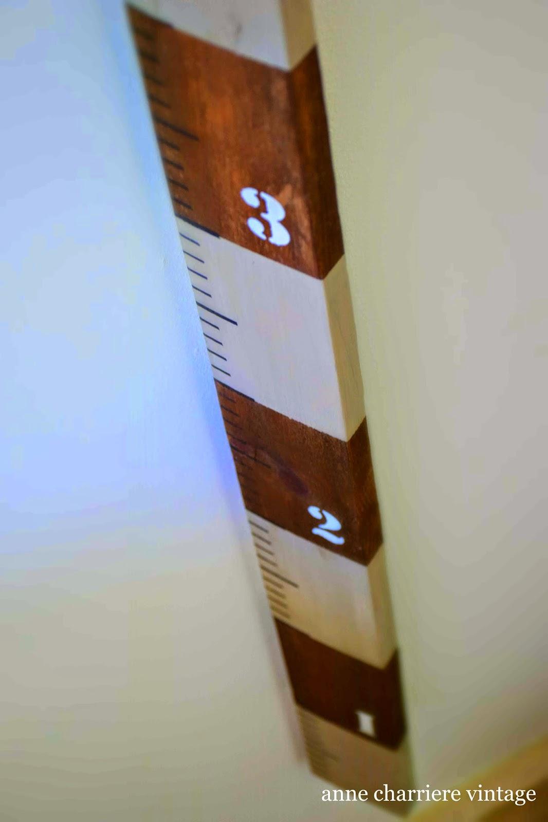 www.annecharriere.com, reciclar palet, regla de pared,