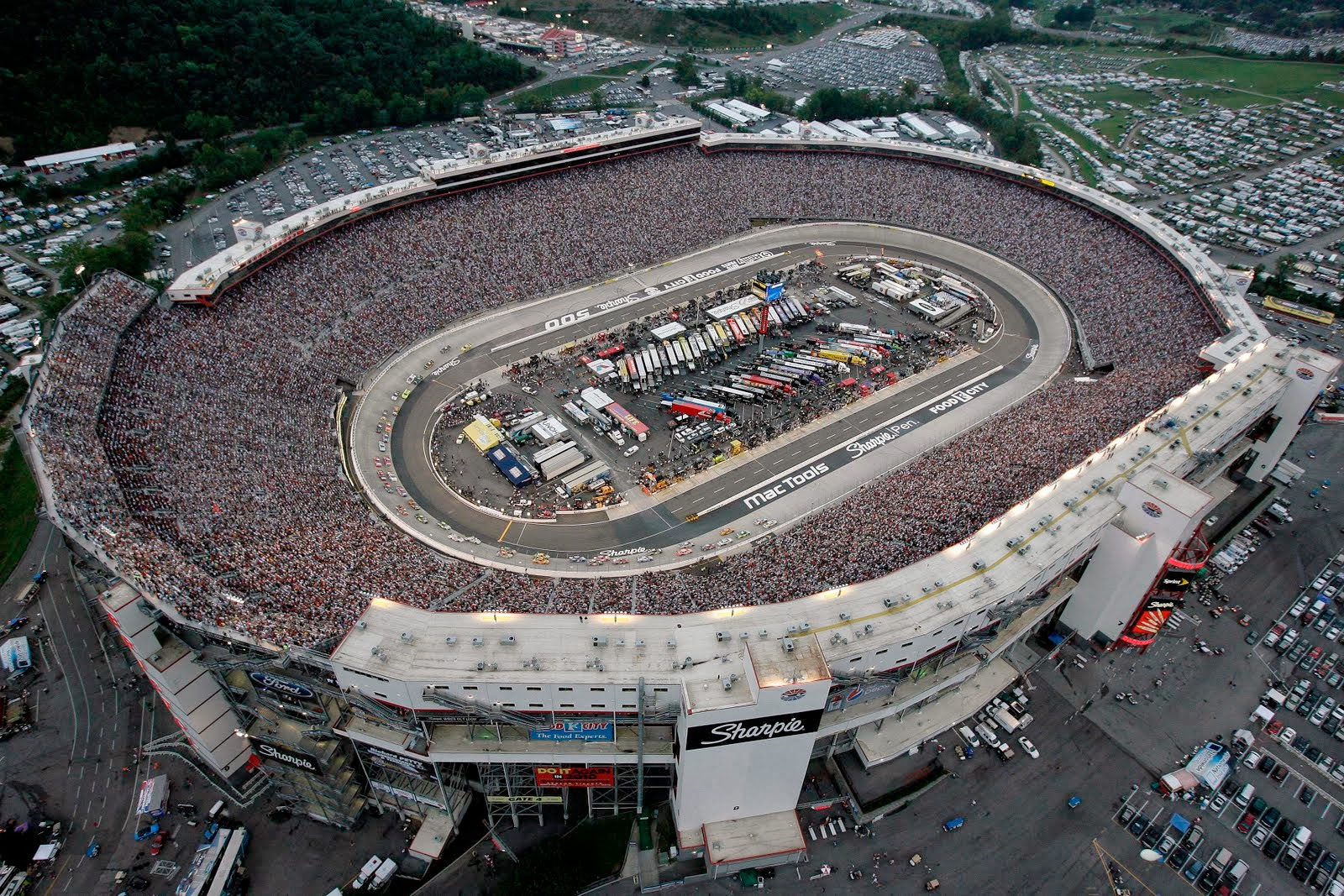 Images Bristol Motor Speedway