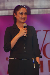 Sonia Agarwal Pictures in Black Dress at JF Women's Achievers Awards 2012