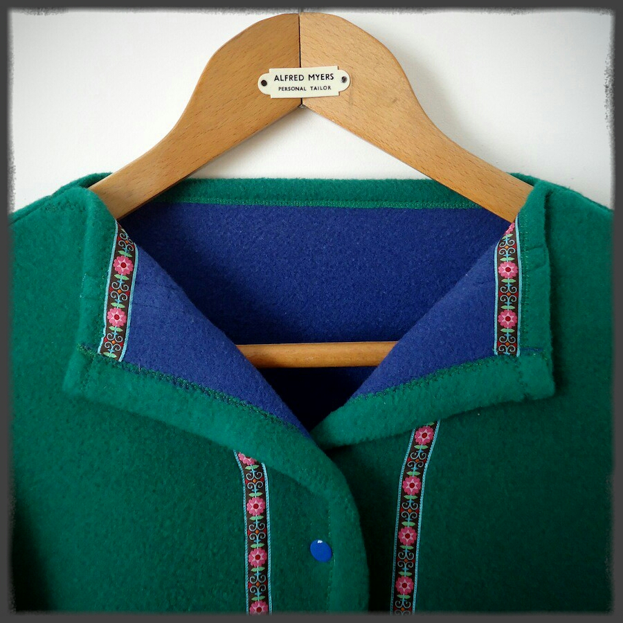 Square coat with Tyrolean trim: Easy Cute Straight Stitch Sewing