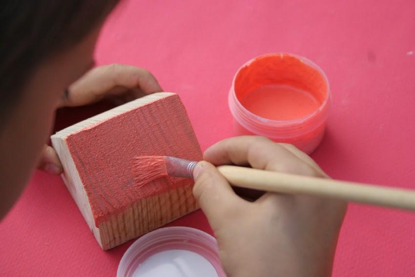 Pequeños arquitectos: Juego de apilables con bloques de palet pintados con chalk paint7