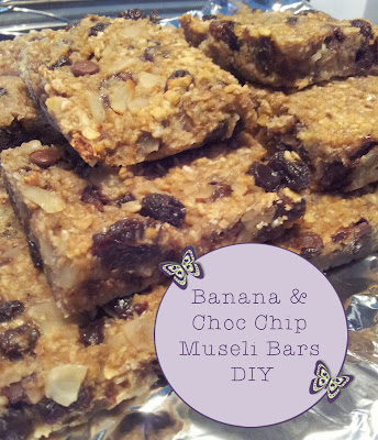 Make your own banana and chocolate chip muesli bars