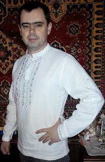 Белая льняная мужская вышиванка