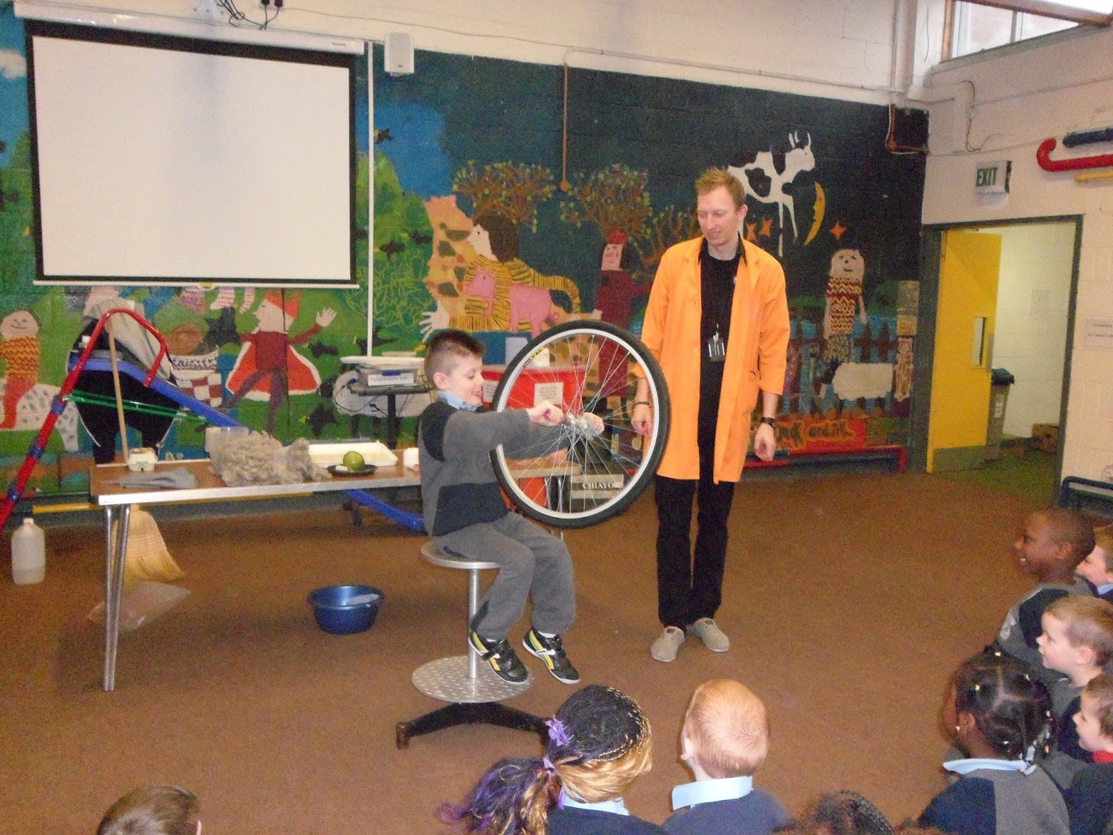 St. Patrick's Junior School, Corduff: W5 Science Magic Show
