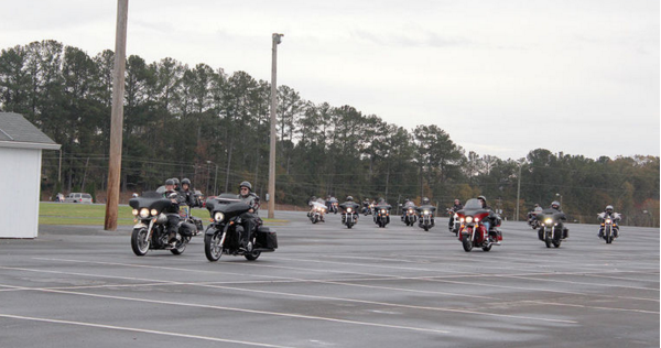 Hells Angels Toys For Tots : Biker news freedom seekers spread good tidings and joy