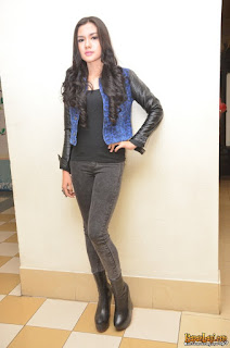 Model sepatu Vicky Shu