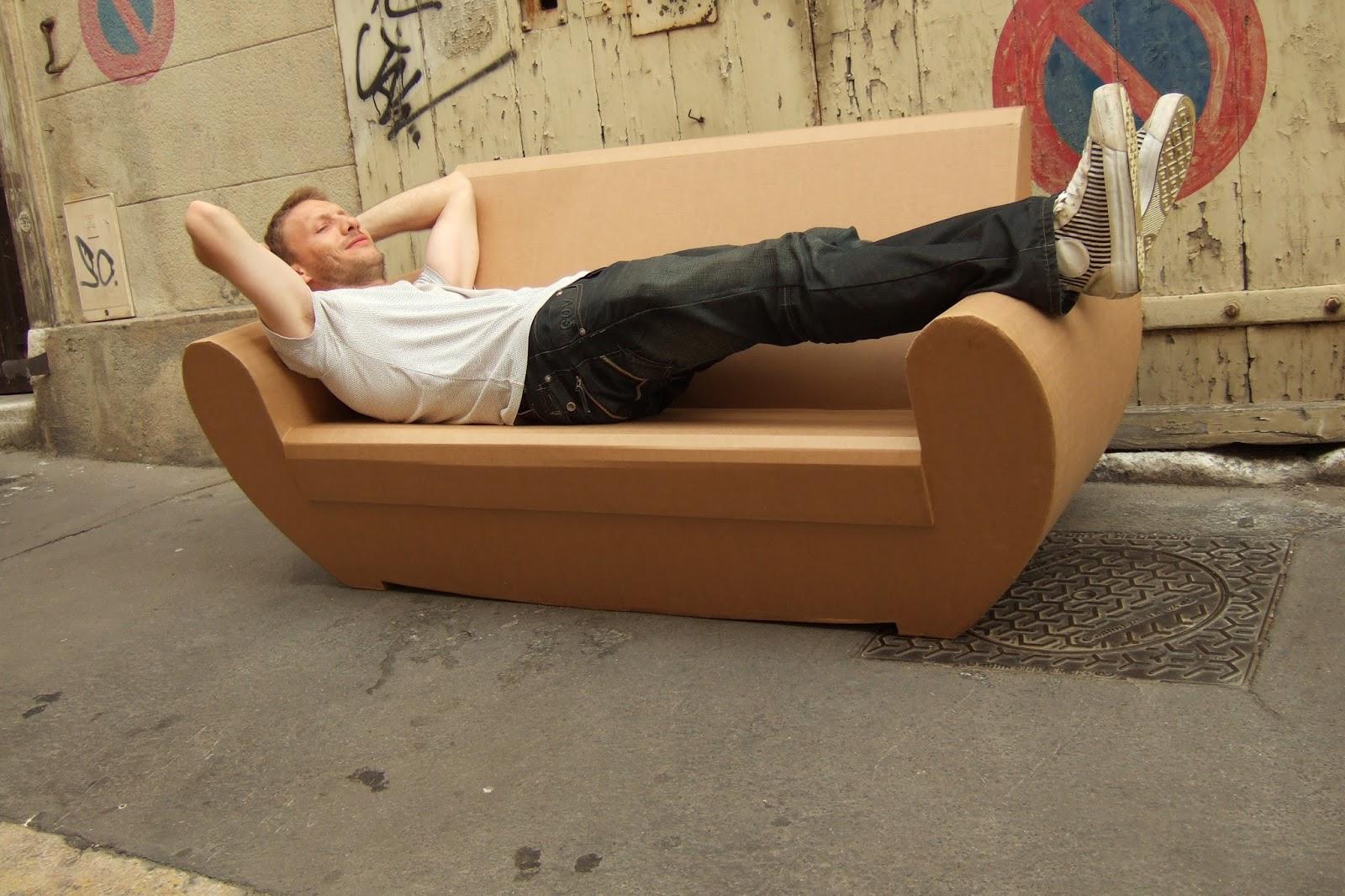 canapé en carton design. canapé sur mesure en carton fabriqué à marseille par juliadesign
