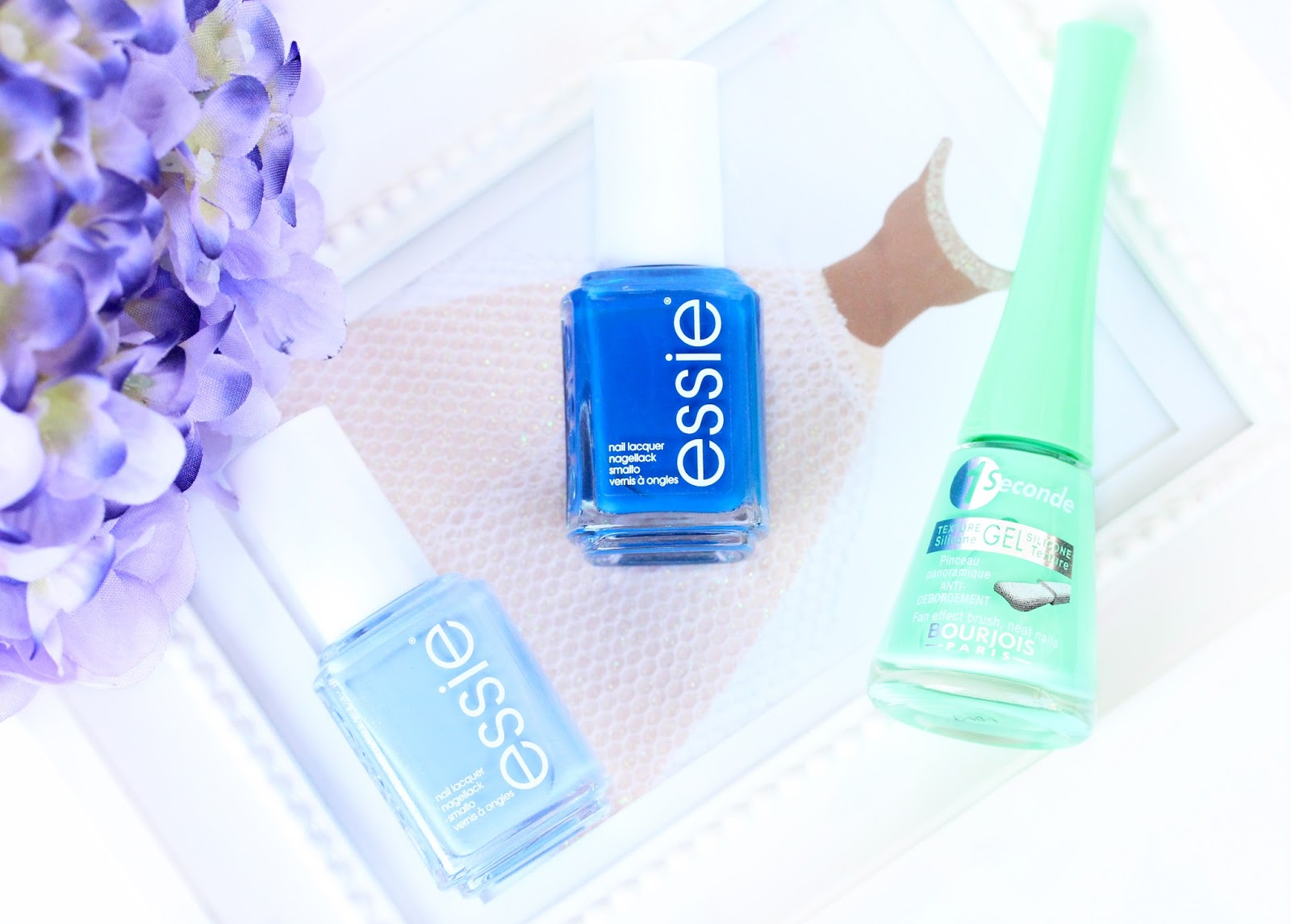 Spring and summer nail polishes